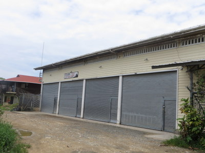 (CO-400) UNIQUE INCOME PRODUCING COMMERCIAL BUILDING LOCATED NEAR THE AIRPORT